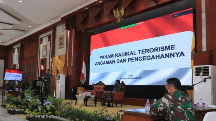 Prajurit Korem 101/Antasari Terima Pembekalan Ancaman Paham Radikal Terorisme dan Pencegahannya