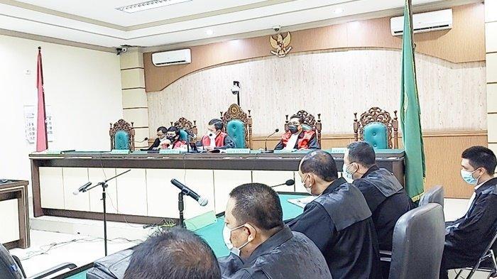 Korupsi Kalsel. Majelis Hakim Pengadilan Tipikor Banjarmasin membacakan vonis perkara korupsi dengan terdakwa mantan Direktur PD Baramarta, Teguh Imanullah, Jumat (10/9/2021).