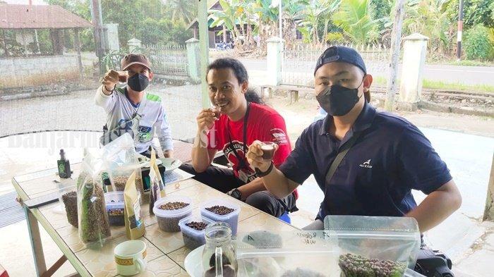 Kuliner Kalsel - Mengunjungi Rungkop Inspirasi, Penjual Kopi Lokal Asli Tabalong