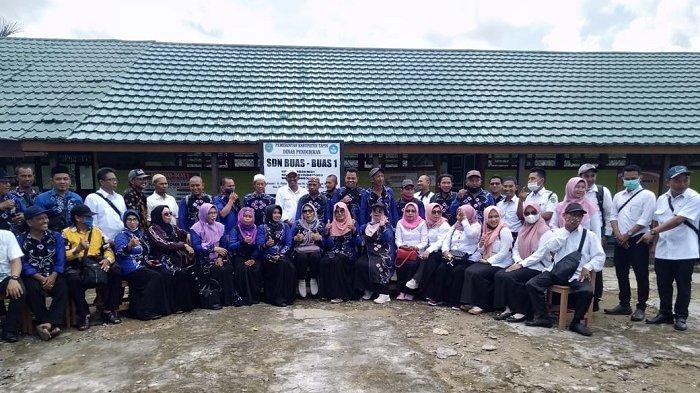 Gunakan Klotok Kunjungi Desa Terpencil, Kadisdik Tapin Nilai Sekolah Siap Pembelajaran Tatap Muka
