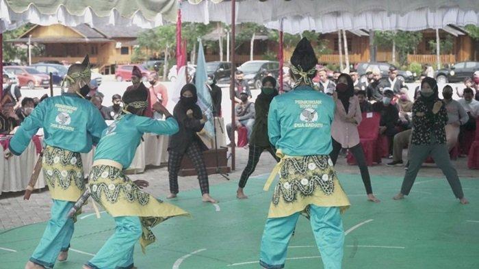 Paman Birin Buka Festival Pencak Silat Budaya di Kiram Park Banjar, 500 Pesilat Ramaikan Kompetisi