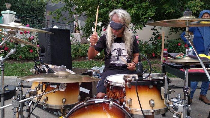 Drummer Asal Indonesia Ini Unjuk Kebolehan Saat Final Piala Dunia 2018 di Moskow