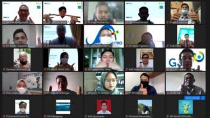 kurang lebih 40 mitra kerja PLN mengikuti acara Collective Action melalui media virtual.