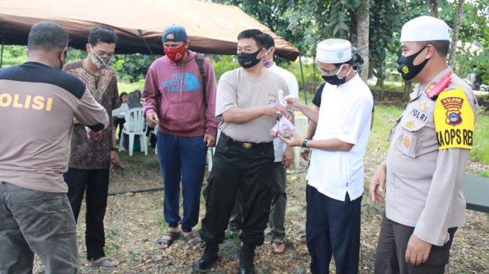 Polres Tapin  Berkurban Sembilan Ekor Sapi dan Seekor Kambing, Bagikan 1.000 Kantong Daging Kurban