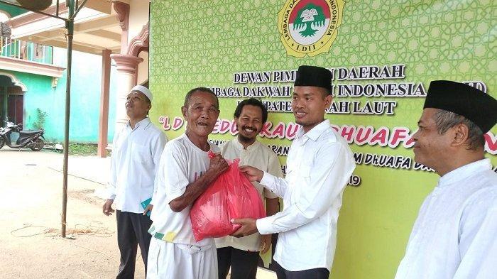 LDII Tanahlaut Peduli Kaum Dhuafa dan Lansia, Bagikan Ratusan Paket Lebaran