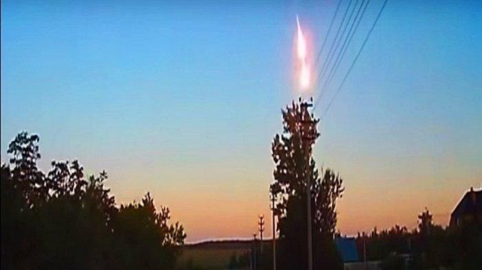 Ledakan Asteroid di langit Rusia
