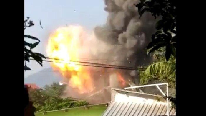 Suasana Mencekam Gudang Senjata Mako Brimob Srondol Terbakar, Begini Kesaksian Warga