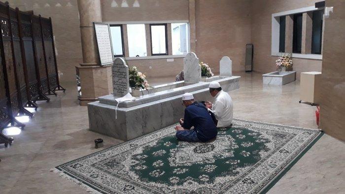 Kisah Viral Air Makam Menyembur dari Makam Habib Cikini Saat Akan Digusur, Kini Dipercaya Mujarab