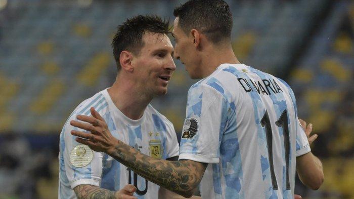 Lionel Messi bersama Angel di Maria merayakan gol dalam laga final Copa America 2021 Brazil vs Argentina Minggu (11/7) pagi WIB. Angel di Maria mencetak gol untuk mengubah skor menjadi 0-1.