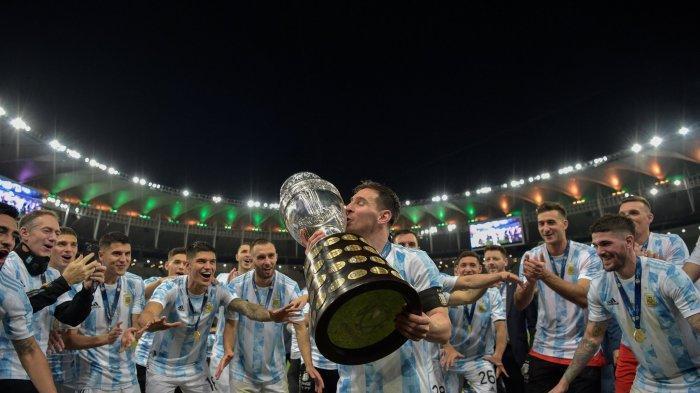 Video Tangis Messi saat Argentina Juara Copa America 2021 & Pelukan Neymar untuk La Pulga