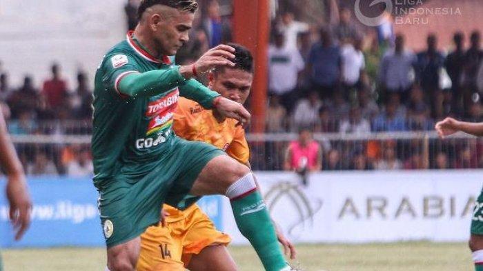 Dua Gol 'El Loco' Cristian Gonzales Loloskan PSS Sleman ke Liga 1 2019