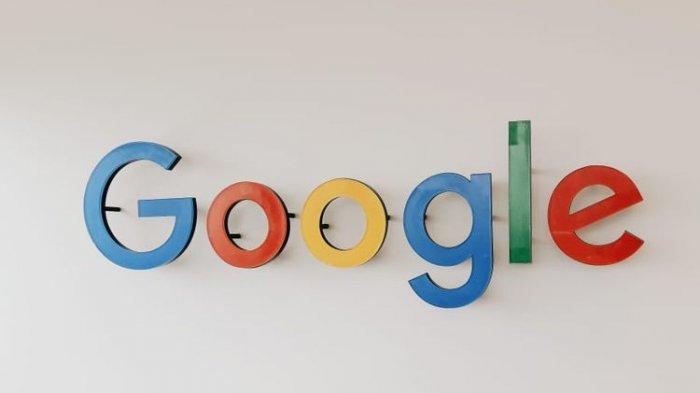 Logo Google di kantor Google Indonesia, Pacific Century Place SCBD Jakarta.
