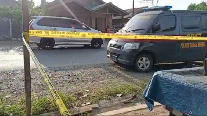 Lokasi kejadian sudah dipasang garis polisi Polres Tanahbumbu, untuk proses penyelidikan.