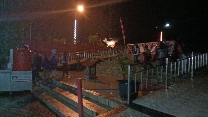 Pengunjung Wisata Patung Ikan Jelawat di Sampit Kotim Ramai, Disayangkan Banyak Abaikan Prokes