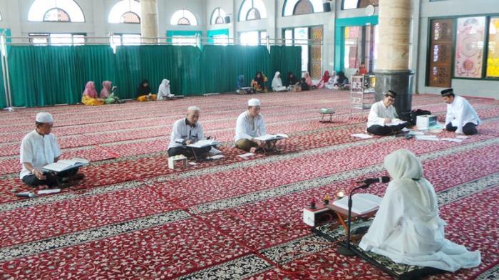 Surah dan Ayat Dianjurkan Dibaca Rasulullah SAW di Malam Nuzulul Quran 2021, Apa Makna 17 Ramadhan?