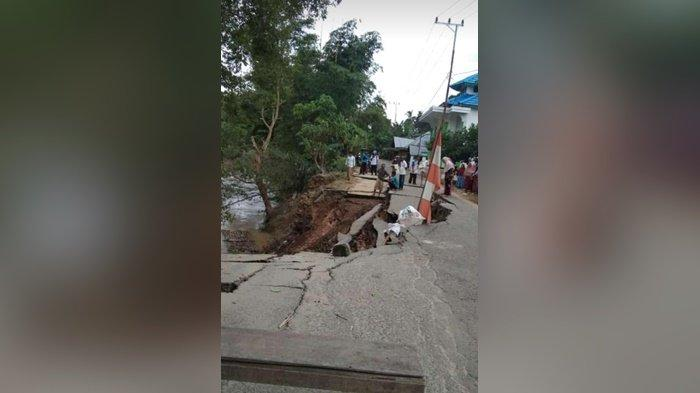 Dua Jembatan Terancam Ambrol, Jalan di Ilung Kabupaten HST Amblas
