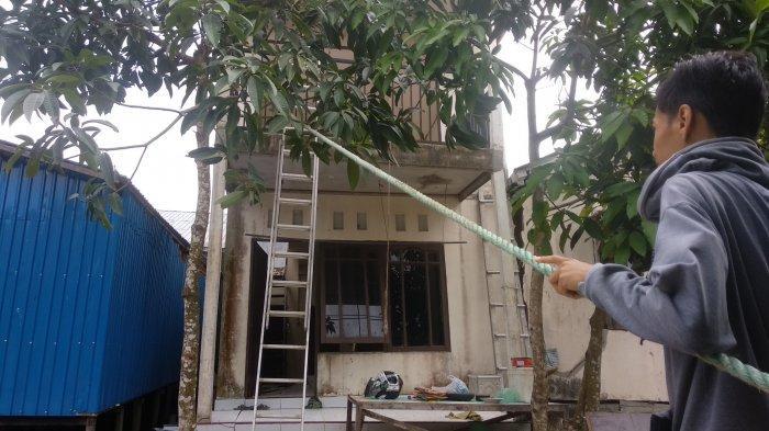 Rumahnya Nyaris Ambles, Keluarga di Sungailulut, Kabupaten Banjar ini Langsung Menyelamatkan Nyawa