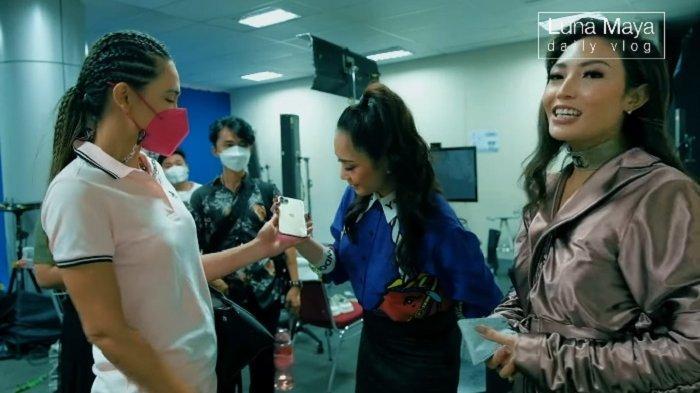 Isi Saldo Belanja Online Istri Raffi Ahmad Bikin Ayu Dewi Syok, Nagita Buat Pengakuan