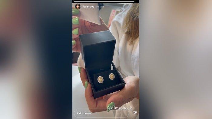 Intip Hadiah Seharga Belasan Juta Nikita Mirzani Untuk Luna Maya, Tak Kalah Dari Dimas Beck