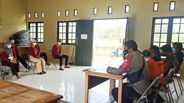 Mahasiswa KKN di Palangkaraya Turut Mengedukasi Warga agar Menaati Prokes