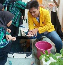 Mahasiswa Faperta ULM Ajari Siswa SMA-IT Qardhan Hasanah Bikin Hidroponik, Ternyata Mudah Membuatnya