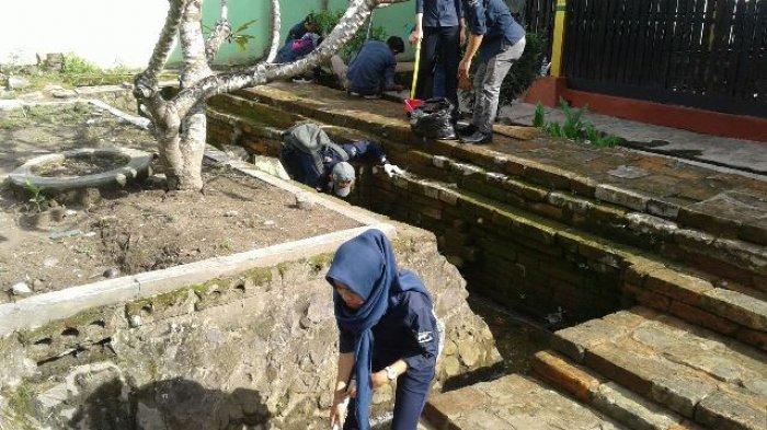 Puluhan Karyawan BPF Ramai-ramai Serbu Makam Pangeran Suriansyah, Lakukan Ini
