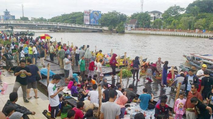 Benahi Wisata Kuliner di Pinggir Sungai Martapura Kota Banjarmasin!