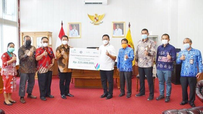 PLN Kalselteng Salurkan Bantuan untuk Korban Banjir Kalteng
