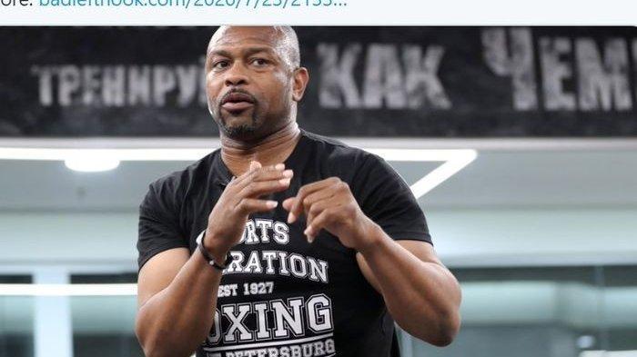 Mantan juara tinju lima divisi, Roy Jones Jr., yang akan menjadi lawan Mike Tyson pada pertandingan ekshibisi.