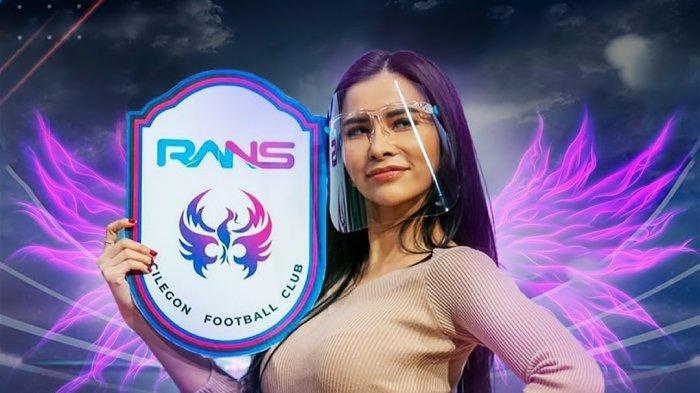 Maria Vania menjadi RANS Angel klub sepak RANS Cilegon FC milik Raffi Ahmad