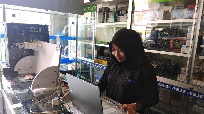 Dolar Tekan Rupiah, Harga Laptop di Banjarmasin Naik Hingga Lima Persen