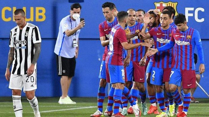 Barcelona merayakan gol kedua mereka ke gawang Juventus yang dicetak Martin Braithwaite dalam laga persahabatan bertajuk Trofeo Joan Gamper di Stadion Johan Cruyff, Senin (9/8/2021) dini hari WIB.