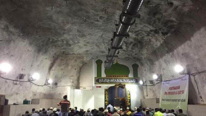 Baabul Munawwar, Masjid yang Tersembunyi 1.760 Meter di Perut Bumi Indonesia