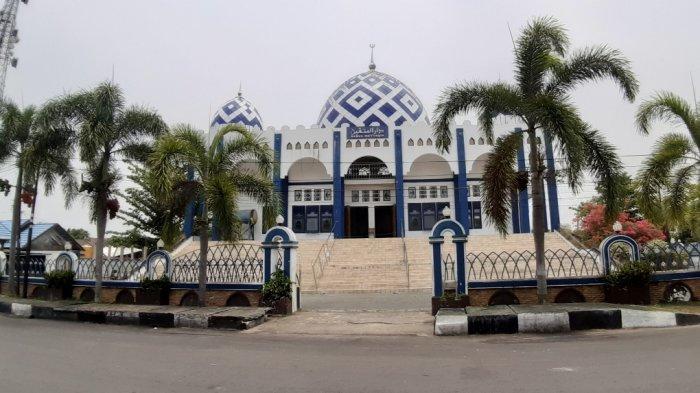 Kaltengpedia: Masjid Darul Muttaqin di Kualakapuas
