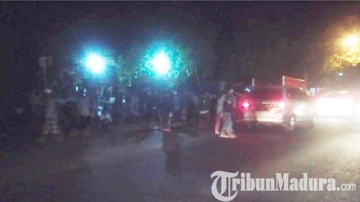 Ratusan Massa Bawa Pentungan Besi Geruduk KPU Sampang Madura, Rusuh Aksi 22 Mei Merembet ke Daerah?