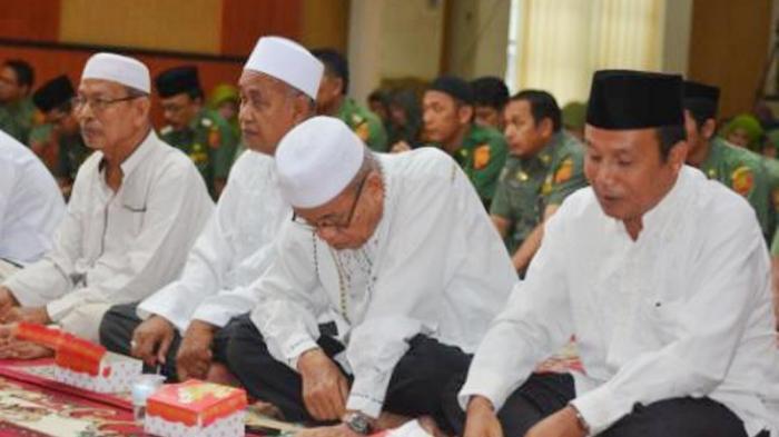 Hukum Memperingati Maulid Nabi Muhammad 2021, Begini Penjelasan Ustadz Abdul Somad