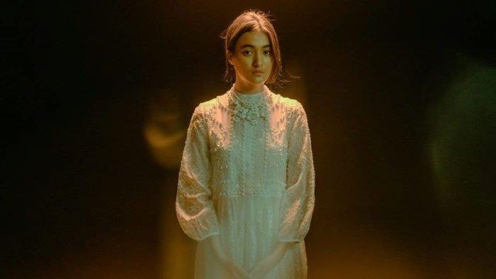 Peran Mawar de Jongh di Film Lockdown, Jadi Istri Vino Bastian yang Berperan Sebagai Dante