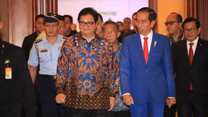 Menteri Koordinator Bidang Perekonomian, Airlangga Hartarto, menegaskan, tahun ini PNS juga bakal menerima THR dan gaji ke-13 secara penuh alias tanpa potongan.