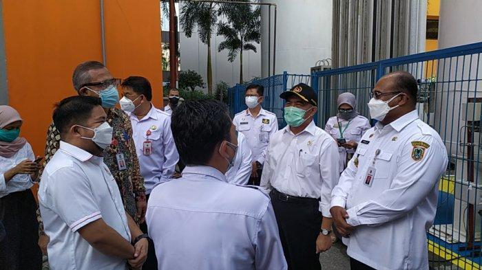 Pantau Pelayanan Covid-19 di RSUD Ulin Banjarmasin, Menko PMK Sarankan Ini