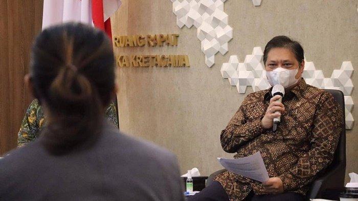 Menteri Koordinator Bidang Perekonomian Republik Indonesia, Airlangga Hartarto, harapkan 542 daerah otonom bisa membentuk Tim Percepatan dan Perluasan Digitalisasi Daerah (TP2DD).
