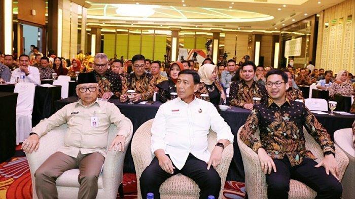 Penampakan Sosok Penusuk Menkopolhukam Wiranto, Updatenya via Live Streaming Kompas TV & TVOne!