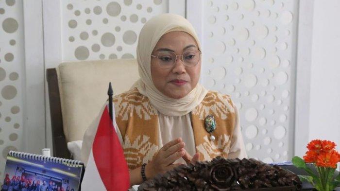 Menteri Ketenagakerjaan Ida Fauziyah memberikan sambutan secara virtual dalam peringatan Hari Pekerja Migran Internasional, Jakarta, Jumat (18/12/2020).
