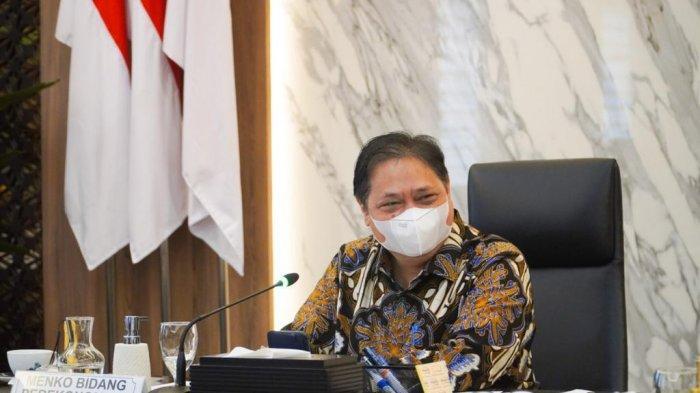 Menteri Koordinator Bidang Perekonomian Airlangga Hartarto menerima kunjungan perwakilan Kamar Dagang dan Industri Indonesia (Kadin Indonesia) di Gedung Ali Wardhana, Kantor Kemenko Perekonomian.