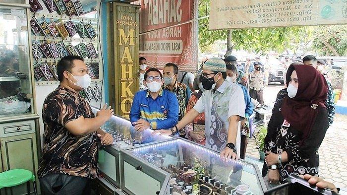Sandiaga Uno Kunjungi Pusat Perbelanjaan CBS Martapura Kabupaten Banjar