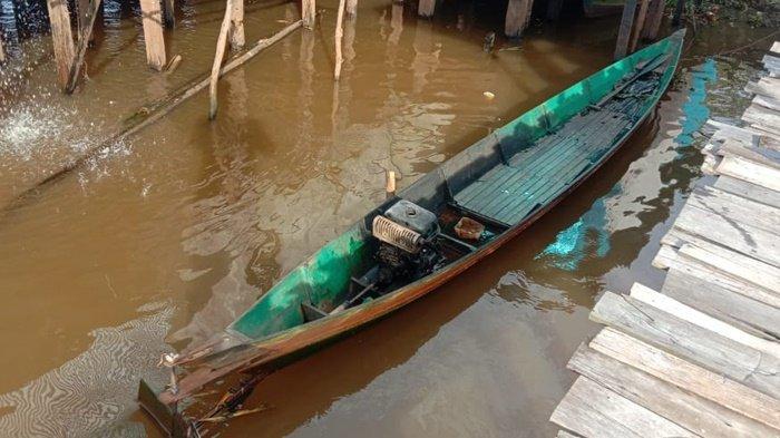 Mesin Kelotok Pencari Burung Terbakar di Daha Selatan Kabupaten HSS