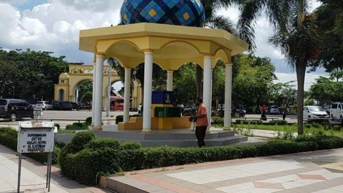 Wisata Kalsel: Menikmati Kesejukan Taman di Masjid Agung Karomah Martapura