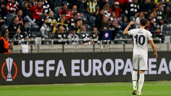 Hasil Liga Eropa Tadi Malam : Mesut Ozil Cetak Gol untuk Fenerbahce, Wakil Serie A Tertahan