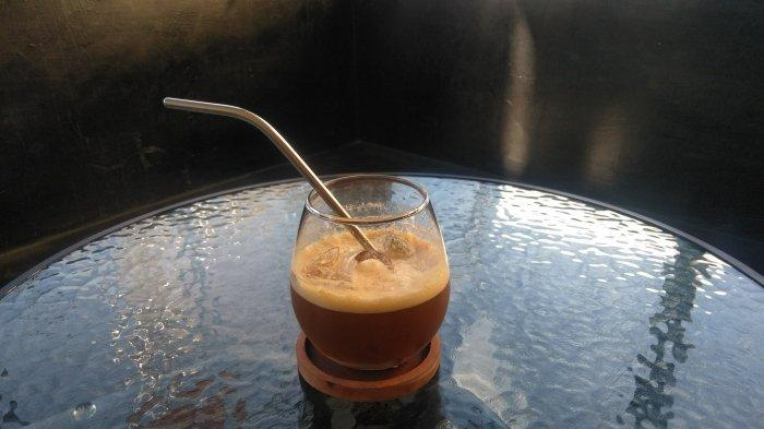 Kuliner Banjarmasin - Berry Splash Minuman Favorit di Lima Waktu Coffee yang Jadi Idola