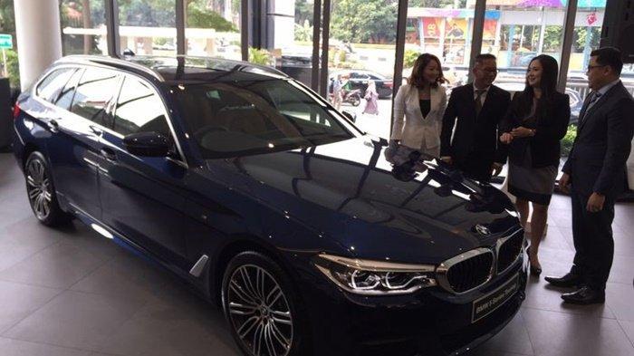 Hanya Dalam 4 Jam, 4 BMW seri 5 Touring Seharga Rp 1,4 Miliar Terjual di Telkomsel IIMS 2019