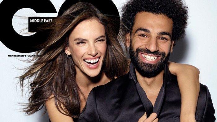 Unggah Fotonya Bersama Model Alessandra Ambrosio,  Akun Twitter Mohamed Salah Dibanjiri Meme Lucu